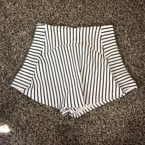 LF black & white striped skort